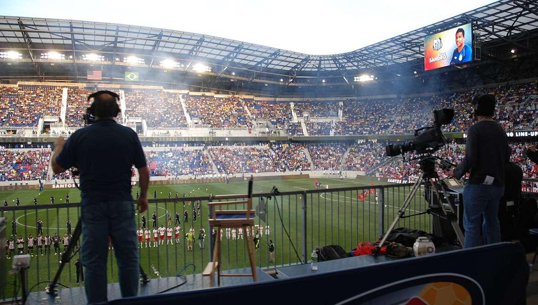 football droits tv diffusion camera Sam Szapucki