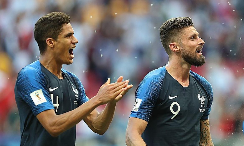olivier giroud raphael varane football equipe de France Soccer.ru - Антон Заnцев